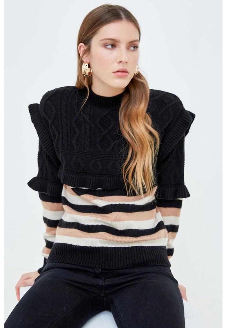 Pulover din amestec de lana - cu volane Motivi imagine 2021