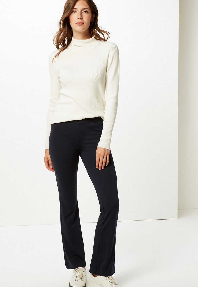 Pantaloni slim fit din jerseu cu croiala ampla imagine fashiondays.ro