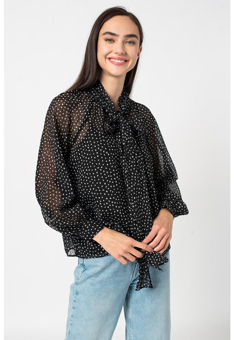 Bluza vaporoasa cu buline si funda din panglici