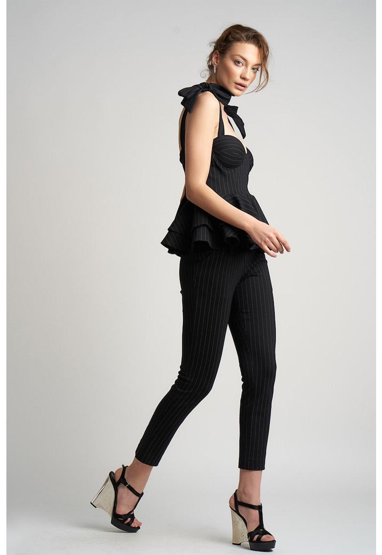 Set de top si pantaloni cu model in dungi - 2 piese imagine fashiondays.ro Monarh