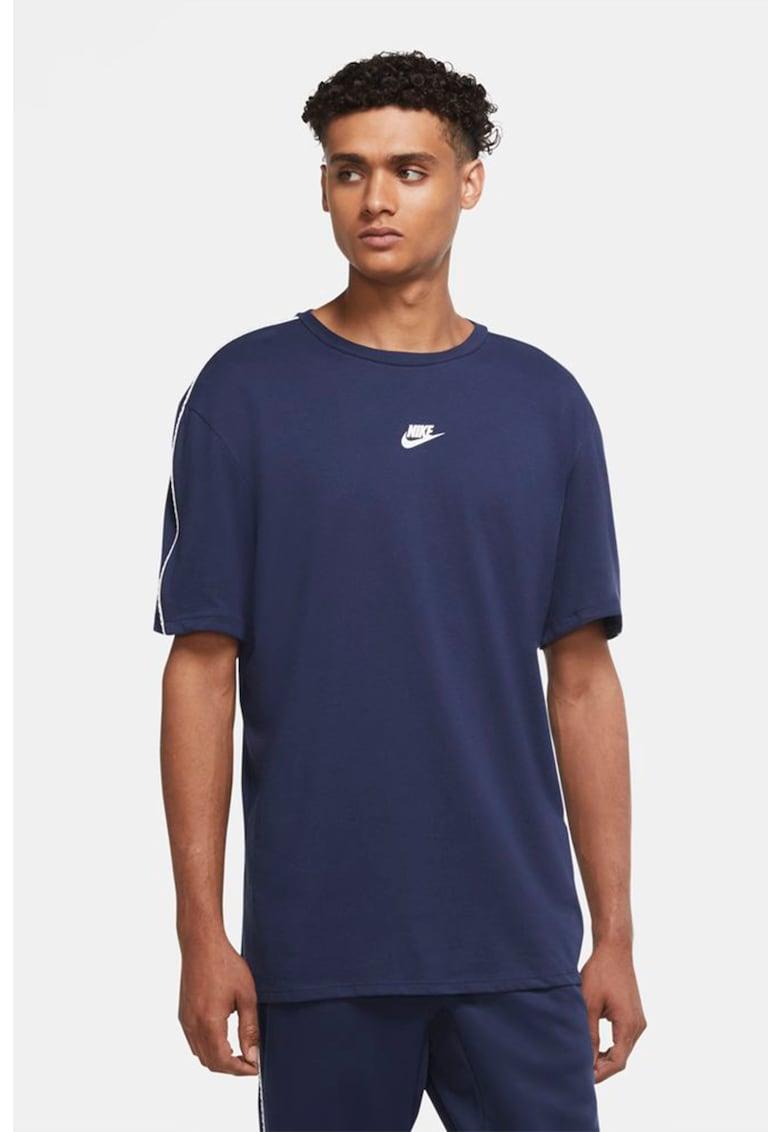 Tricou cu tehnologie Dri-Fit Repeat imagine fashiondays.ro Nike