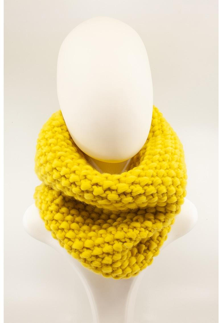 Fular circular tricotat manual - de lana merino imagine