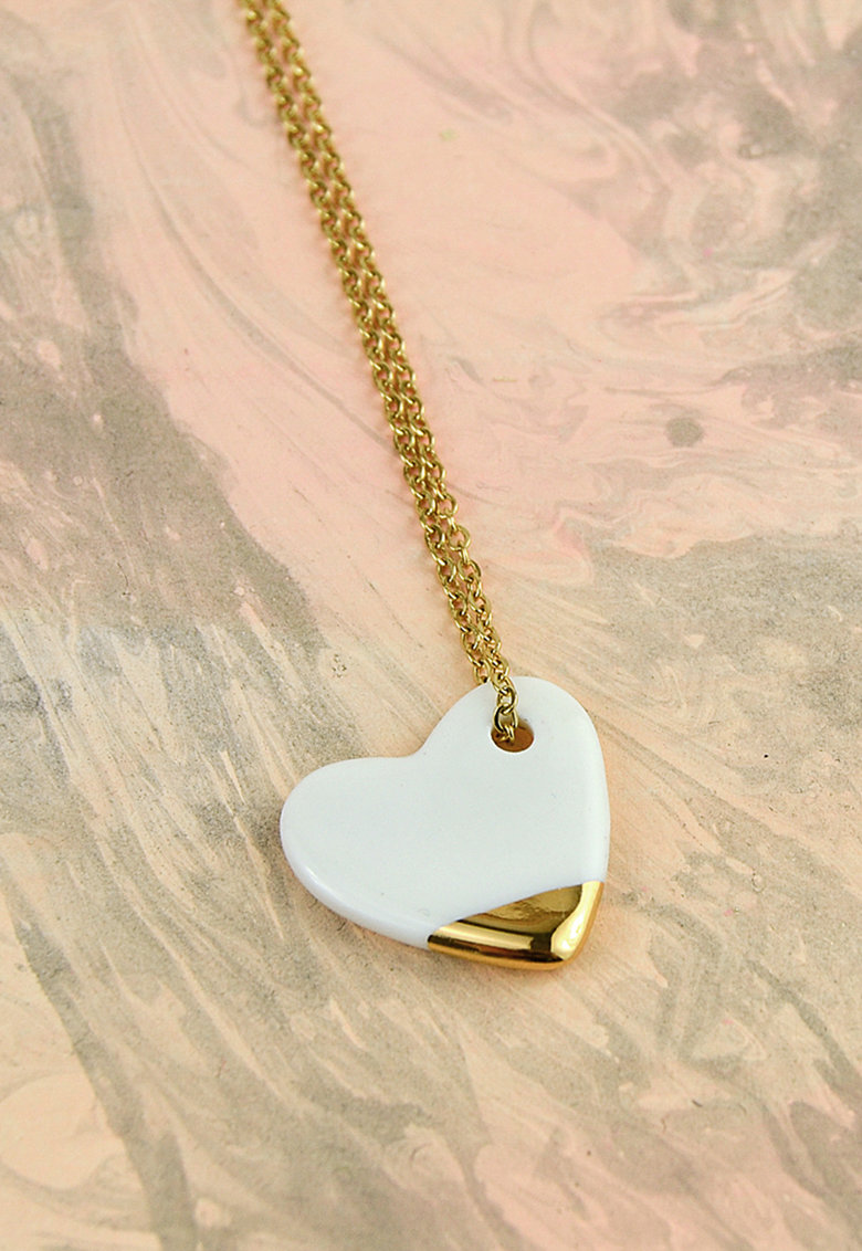 Colier din lant cu pandantiv inima din ceramica
