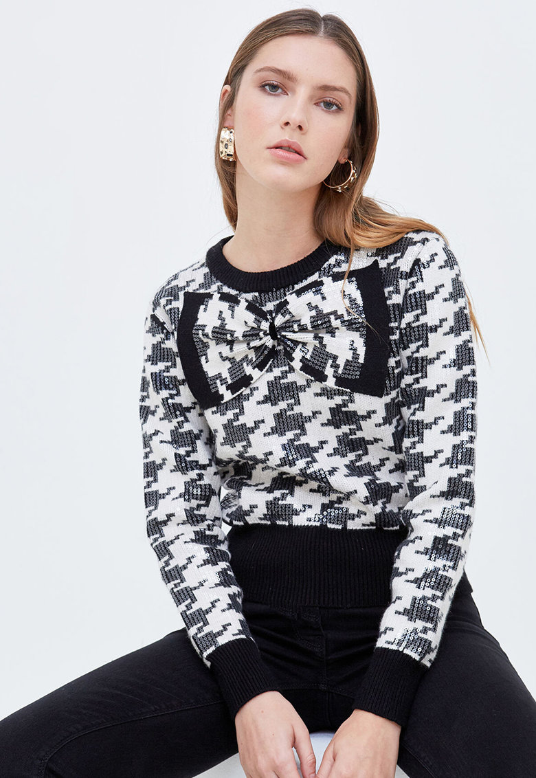 Pulover cu paiete si model houndstooth