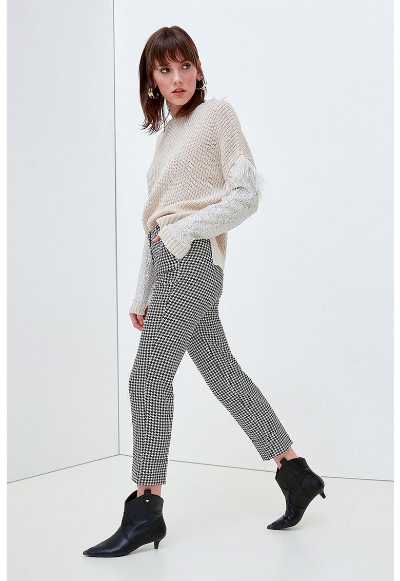 Pantaloni crop cu imprimeu herringbone imagine promotie