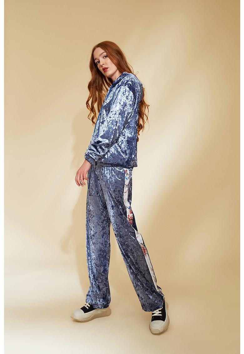 Set de pantaloni sport si hanorac cu aspect catifelat Marsil imagine fashiondays.ro 2021