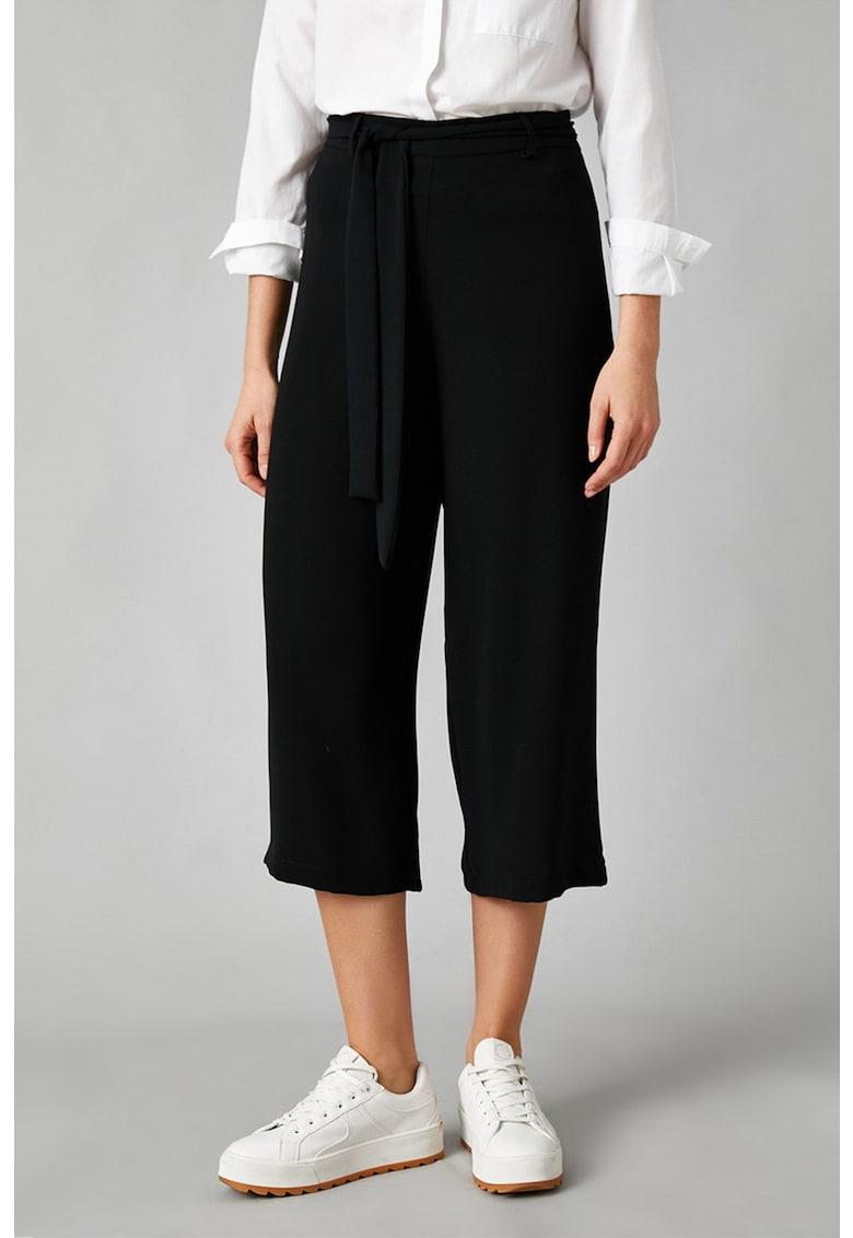 Pantaloni trei sferturi cu croiala ampla de la KOTON