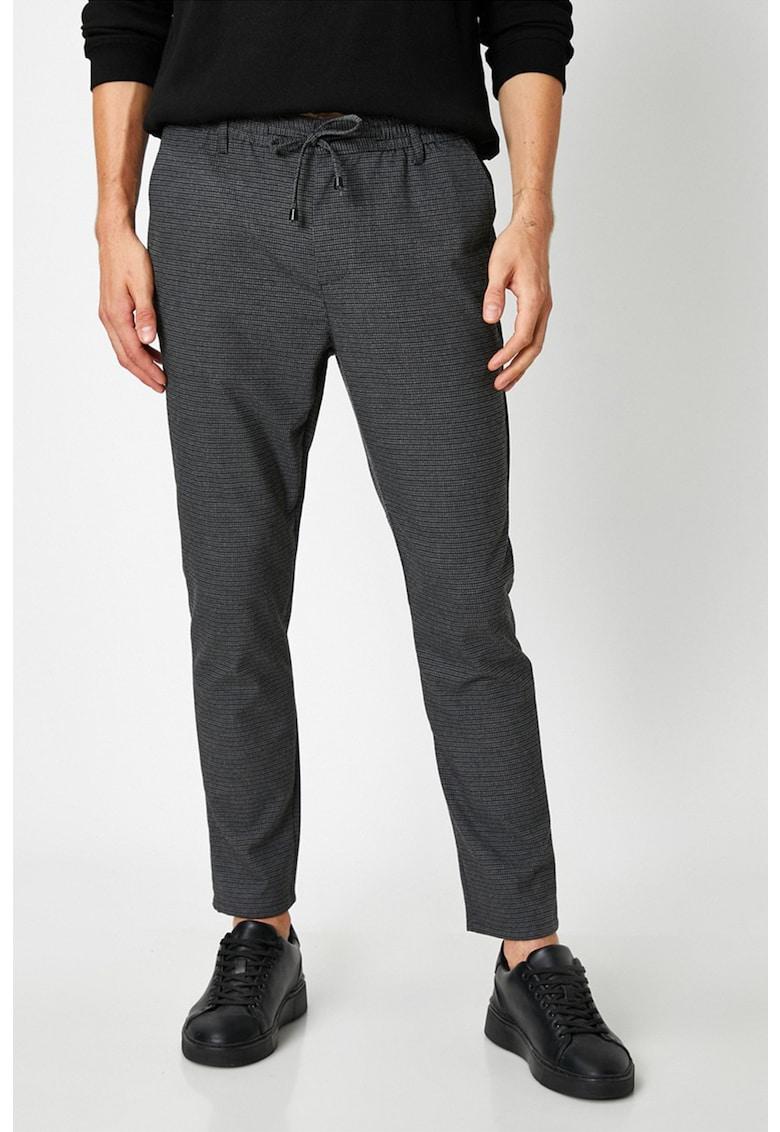 Pantaloni chino cu imprimeu in carouri