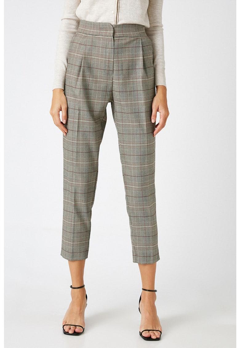 Pantaloni crop conici cu model in carouri de la KOTON