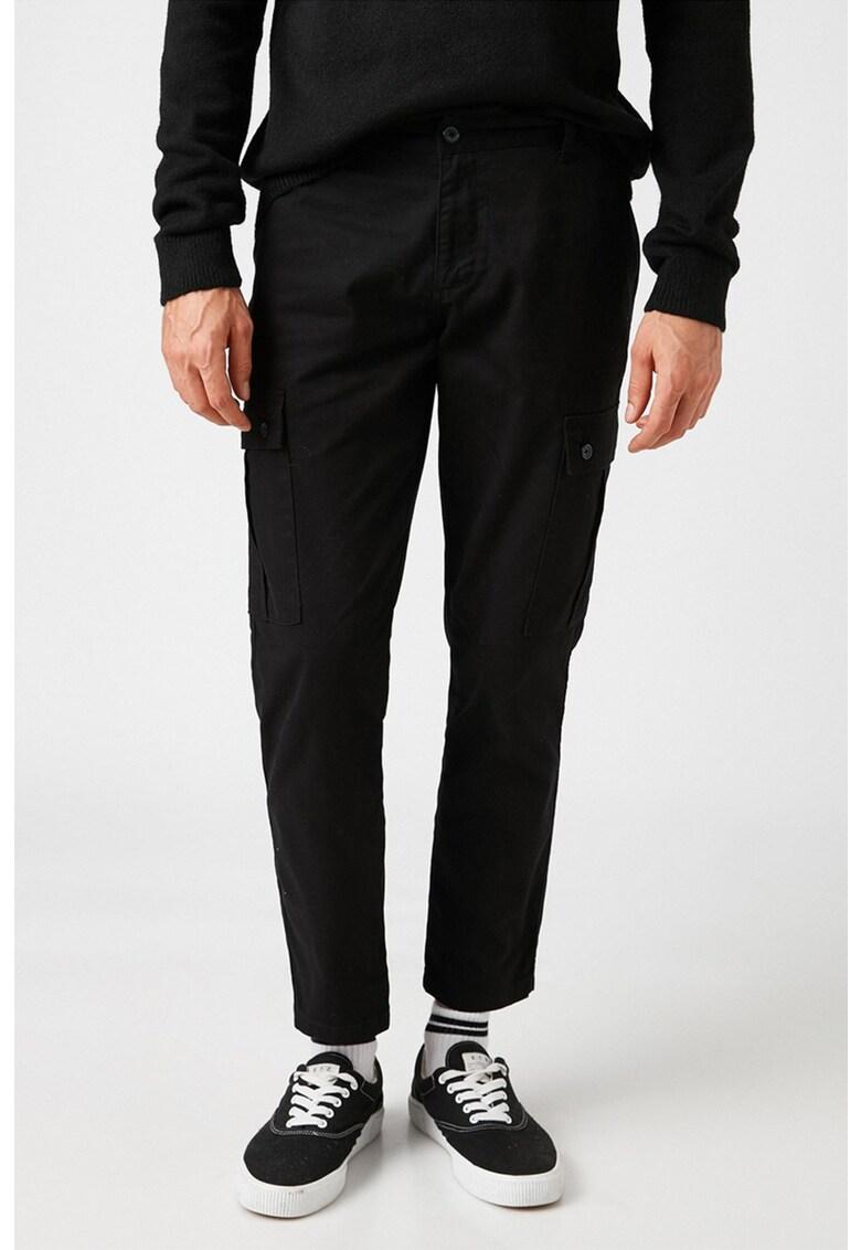 Pantaloni crop cargo