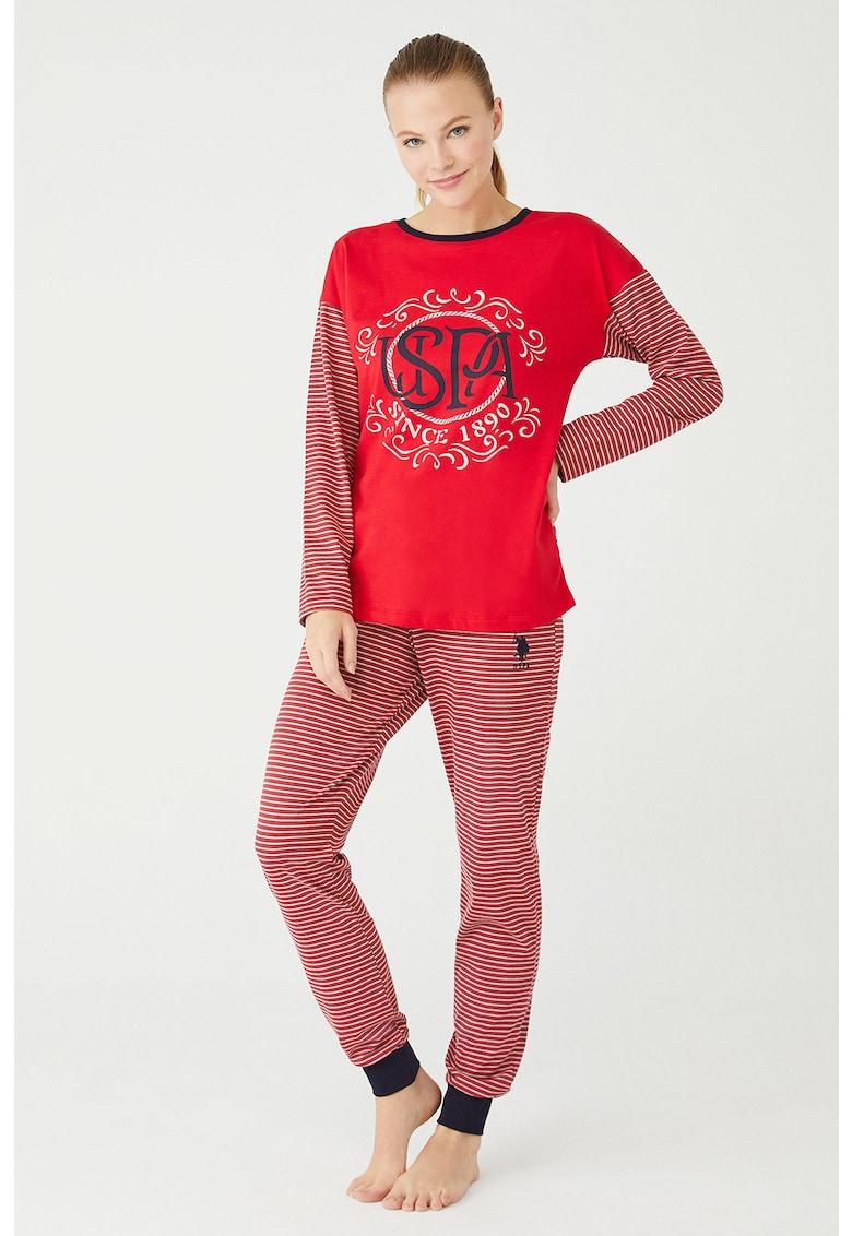 Pijama cu model in dungi si logo