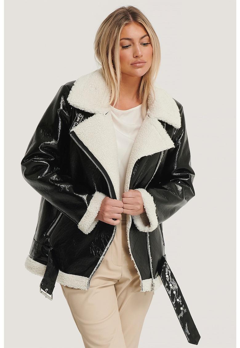 NA-KD Jacheta din piele ecologica cu garnituri din blana sintetica si revere decupate