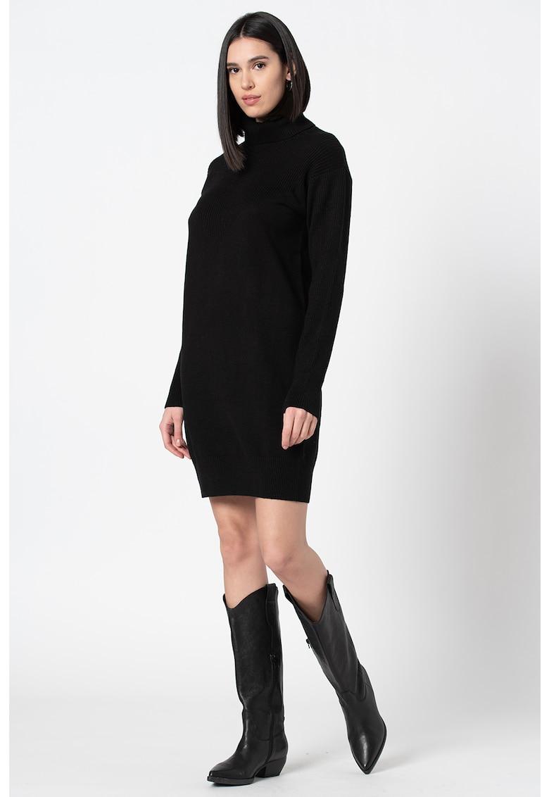 Rochie mini tricotata cu guler inalt