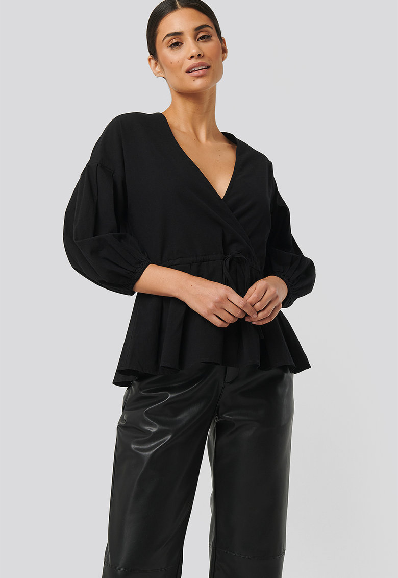 Bluza cu maneci bufante trei sferturi imagine fashiondays.ro