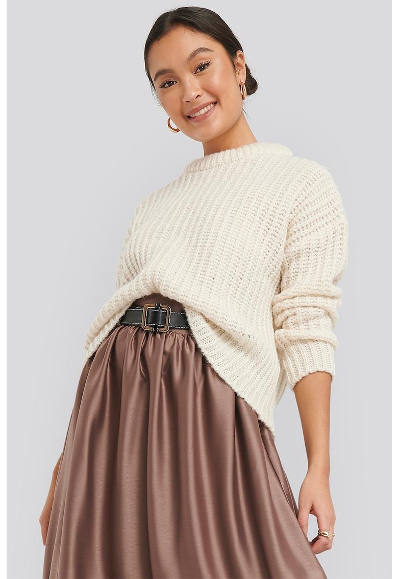 Pulover tricotat gros din amestec de lana