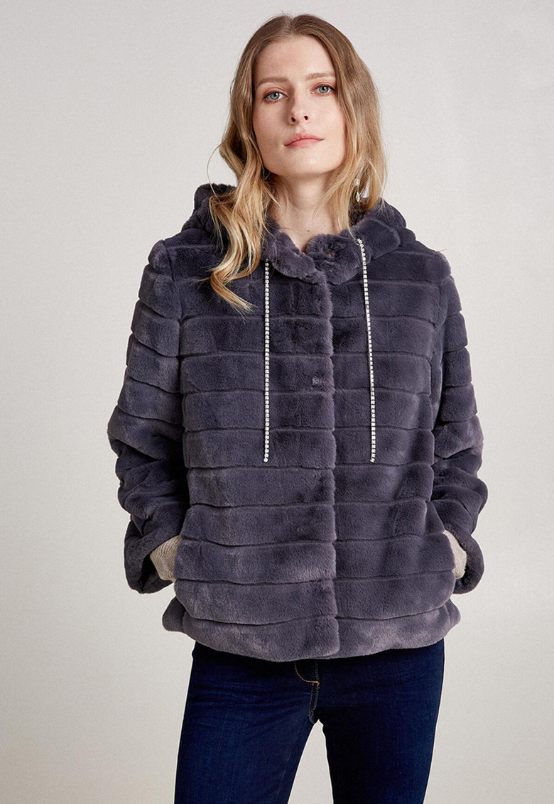 Palton de blana sintetica imagine