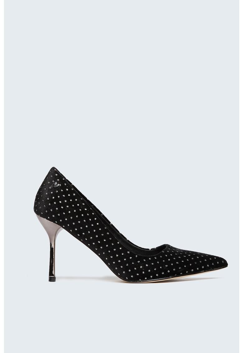 Pantofi cu toc inalt si varf ascutit imagine promotie