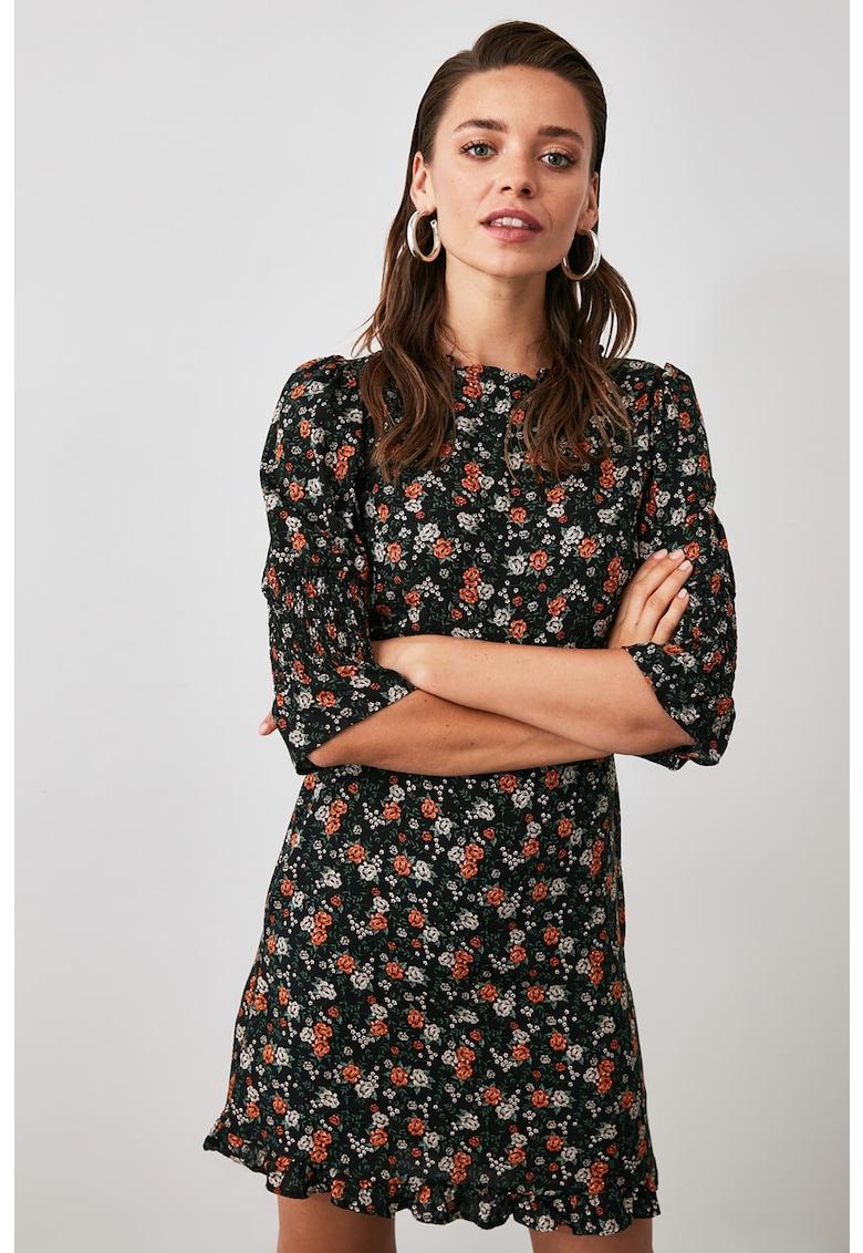 Rochie mini cu imprimeu floral si terminatie cu volane imagine fashiondays.ro