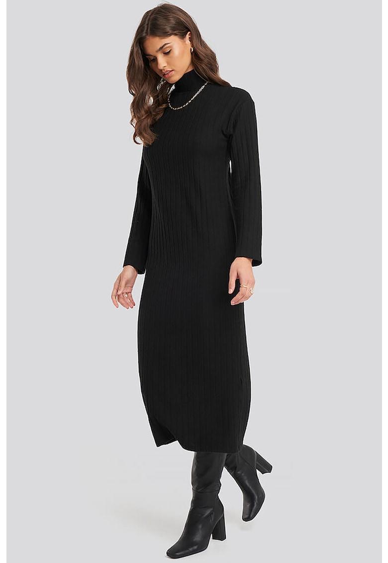 Rochie tricotata cu croiala dreapta si guler mediu