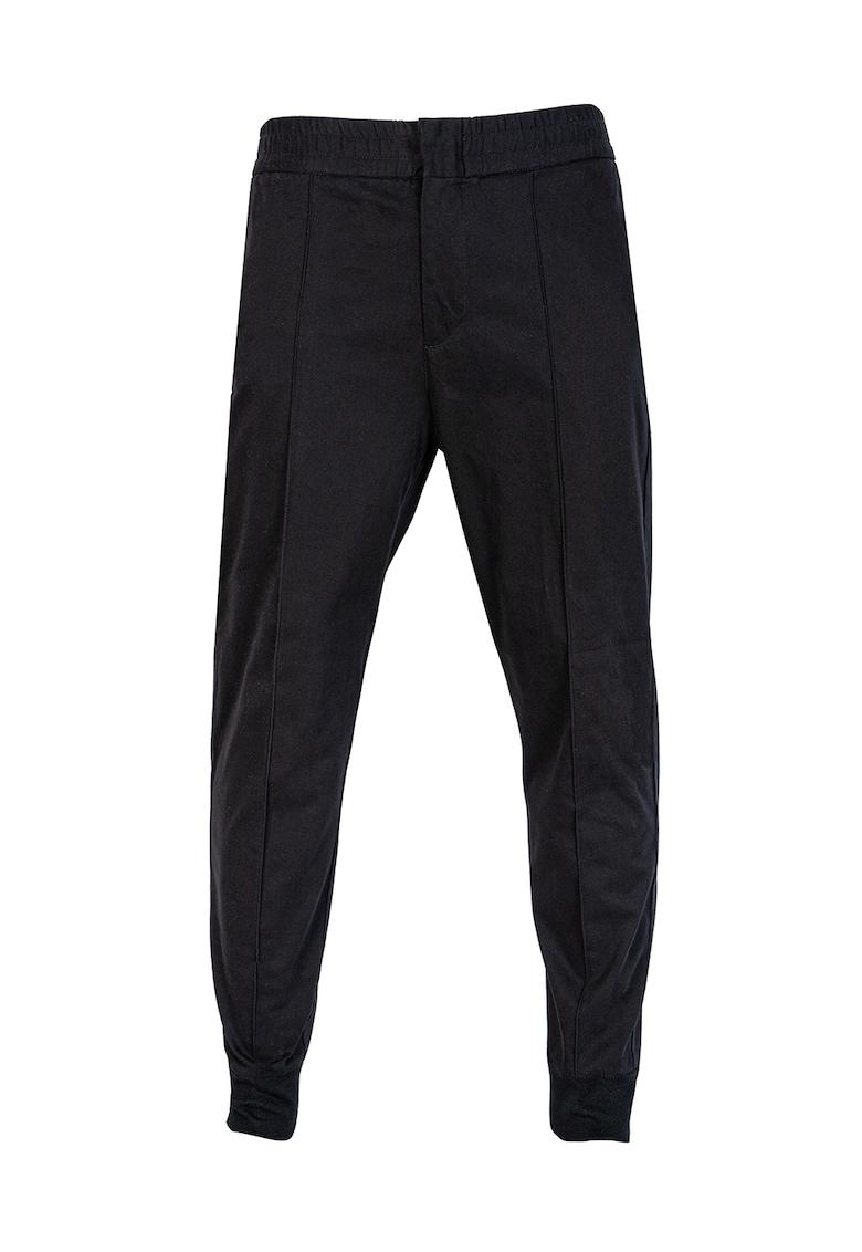 Pantaloni conici cu buzunar cu refilet