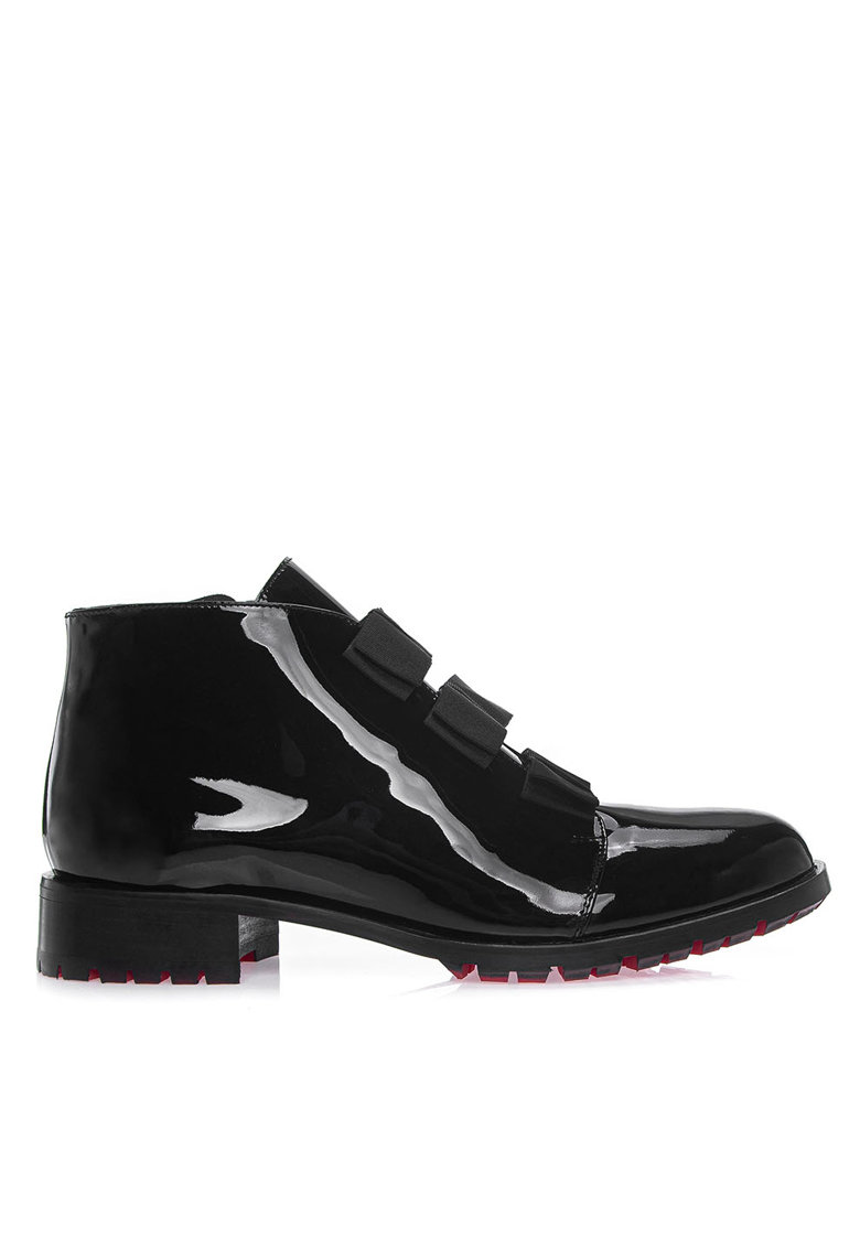 Pantofi din piele lacuita Narcisa VII