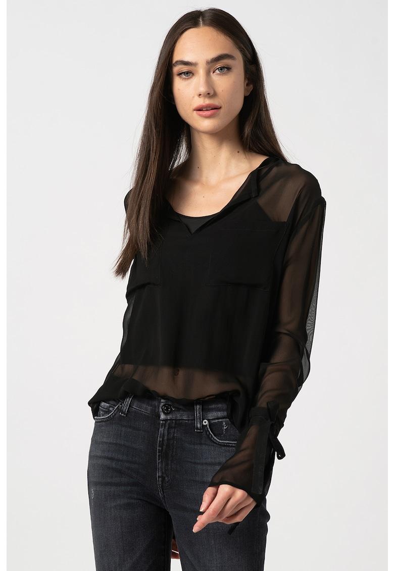 Bluza de matase cu aspect transparent