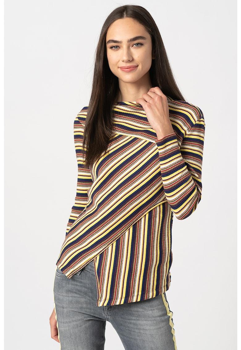 Bluza in dungi si terminatie asimetrica