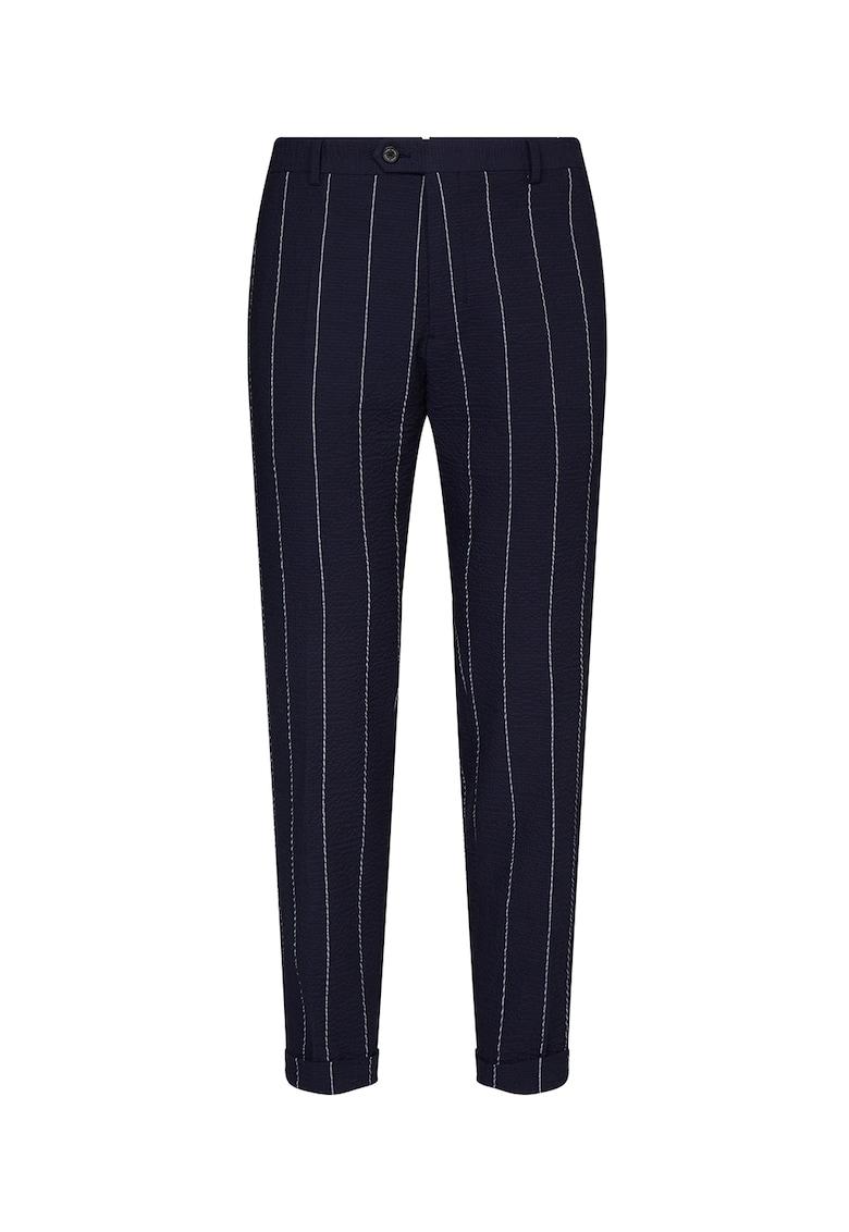 Pantaloni slim fit cu model in dungi