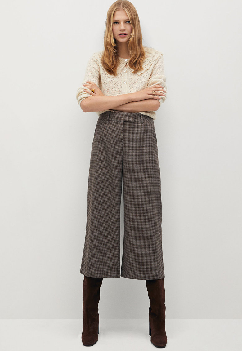 Pantaloni culotte in carouri Bermu imagine promotie