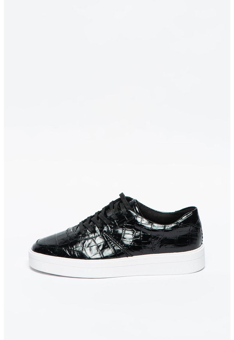 Pantofi sport de piele lacuita cu model piele de reptila Hero Walk imagine promotie