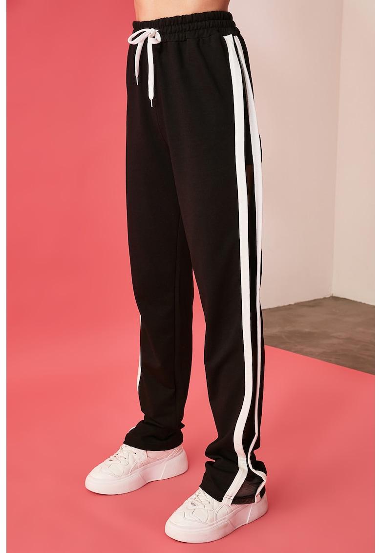 Pantaloni sport cu insertii transparente