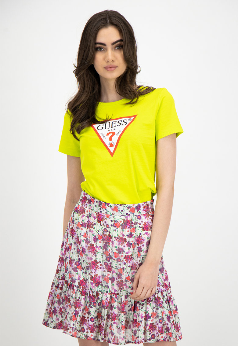 Tricou cu decolteu la baza gatului si logo triunghi