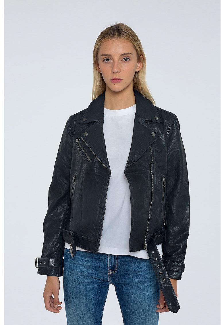 Jacheta de piele cu inchidere asimetrica
