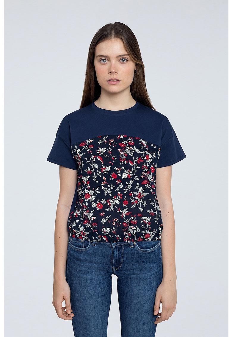Tricou cu decolteu la baza gatului si model floral imagine