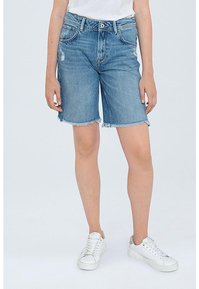 Bermude din denim - cu terminatii franjurate imagine fashiondays.ro Pepe Jeans London