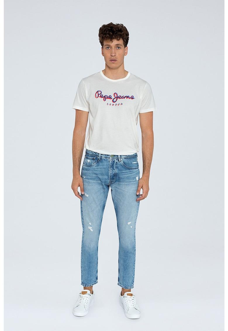 Blugi crop cu croiala conica si detalii cu aspect deteriorat Callen imagine fashiondays.ro Pepe Jeans London