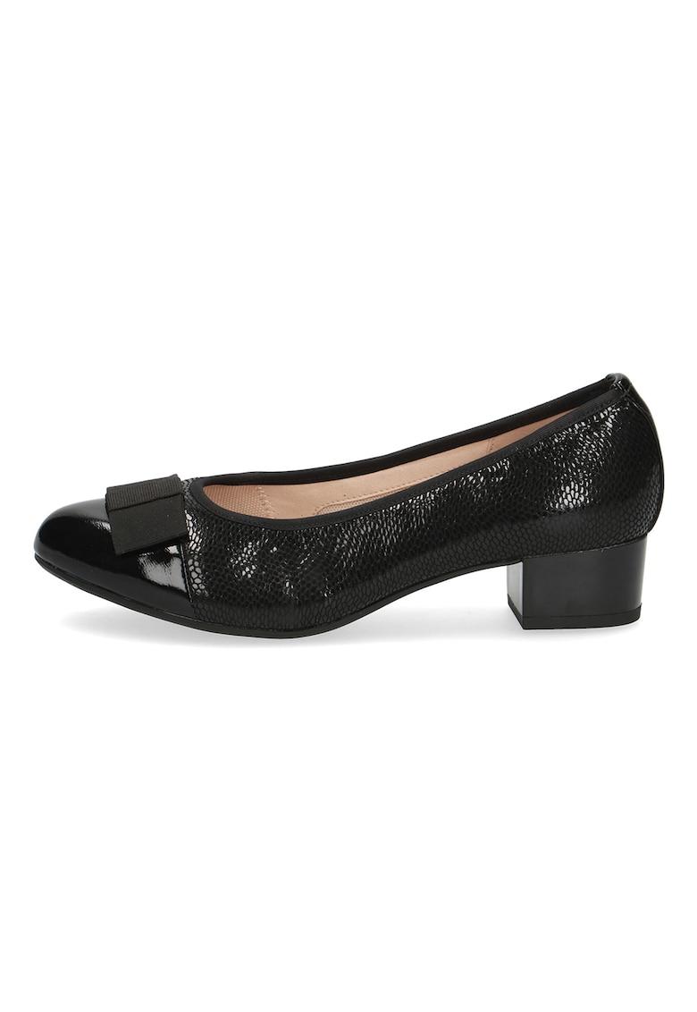 Pantofi cu aspect de piele de sarpe si varf cap toe de la Caprice