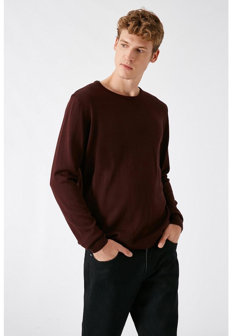 Pulover tricotat fin imagine