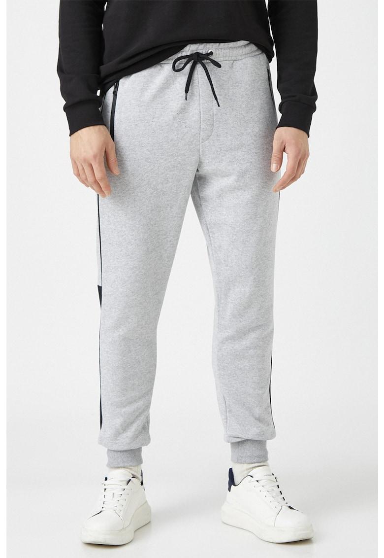 Pantaloni sport conici cu snur imagine fashiondays.ro