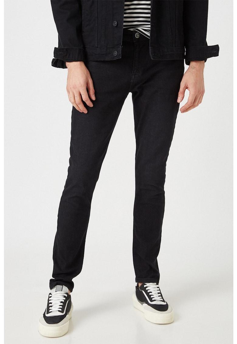 Blugi extra skinny cu talie joasa Justin fashiondays.ro