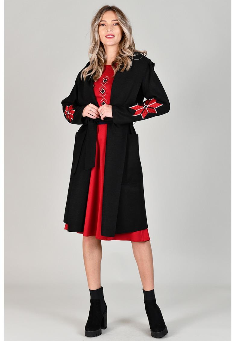 Palton din amestec de lana - cu broderii cu model etnic