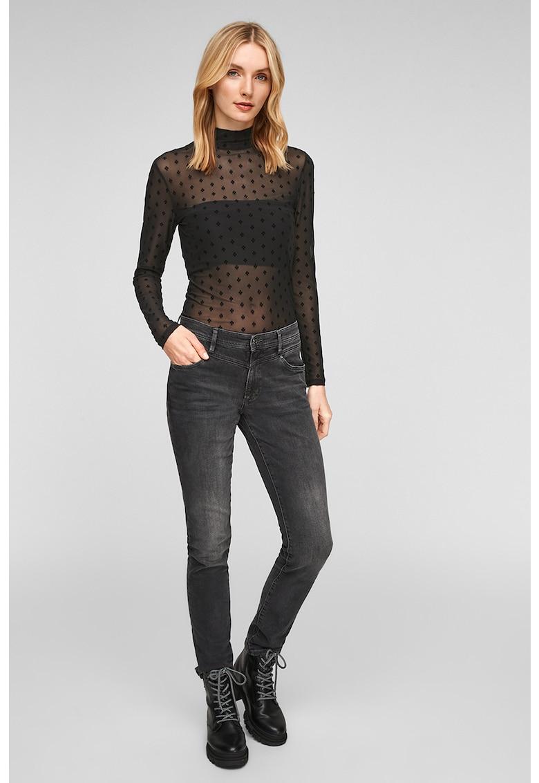Bluza slim fit de plasa cu model discret