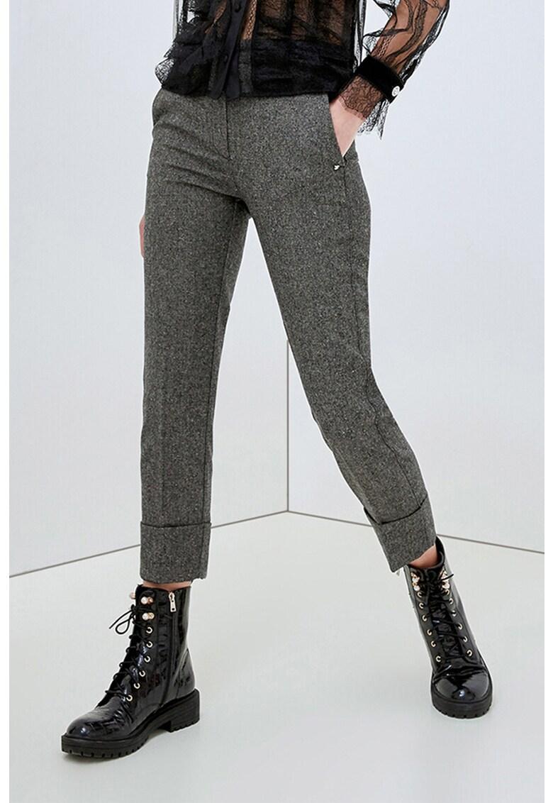 Pantaloni conici cu pensa si terminatii pliabile imagine