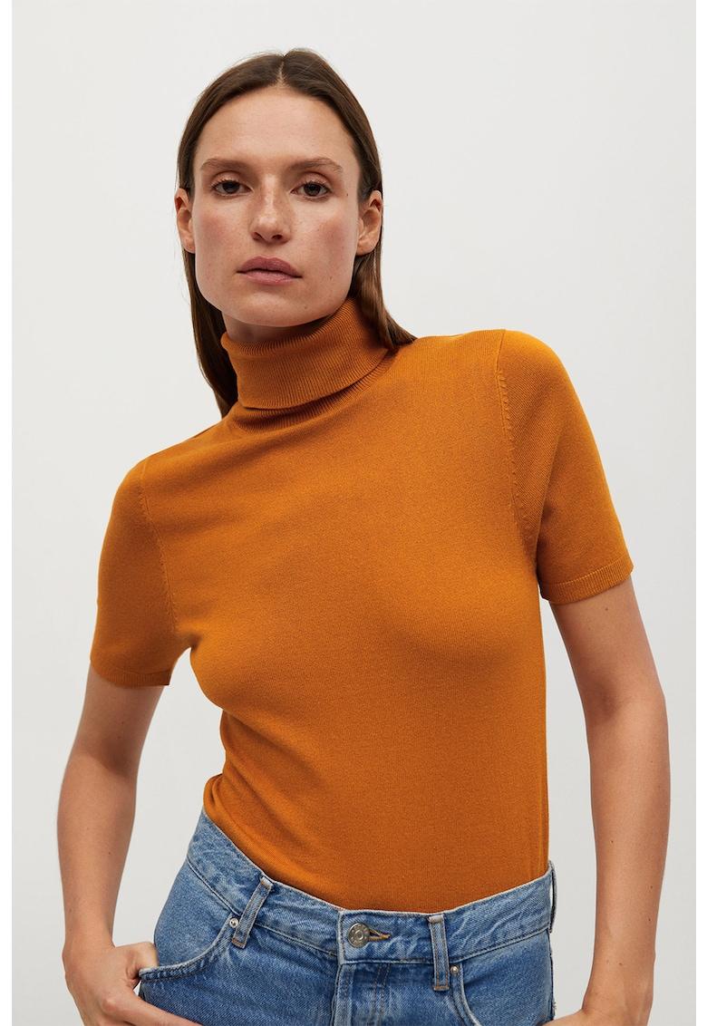 Pulover tricotat fin cu guler inalt Almaeco