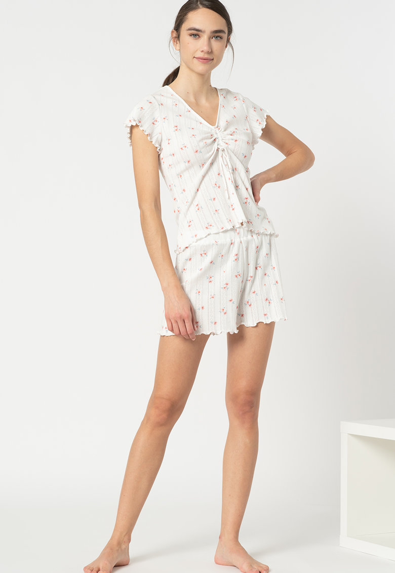 Pijama cu model floral si terminatii valurite