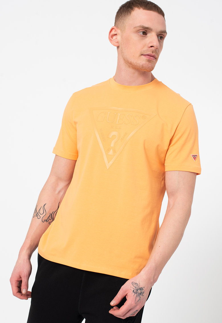 Tricou cu decolteu la baza gatului si imprimeu logo