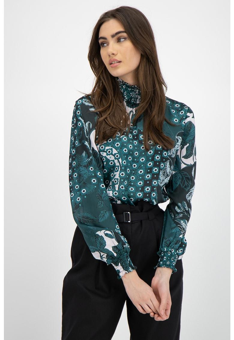 Bluza vaporoasa cu model floral imagine promotie