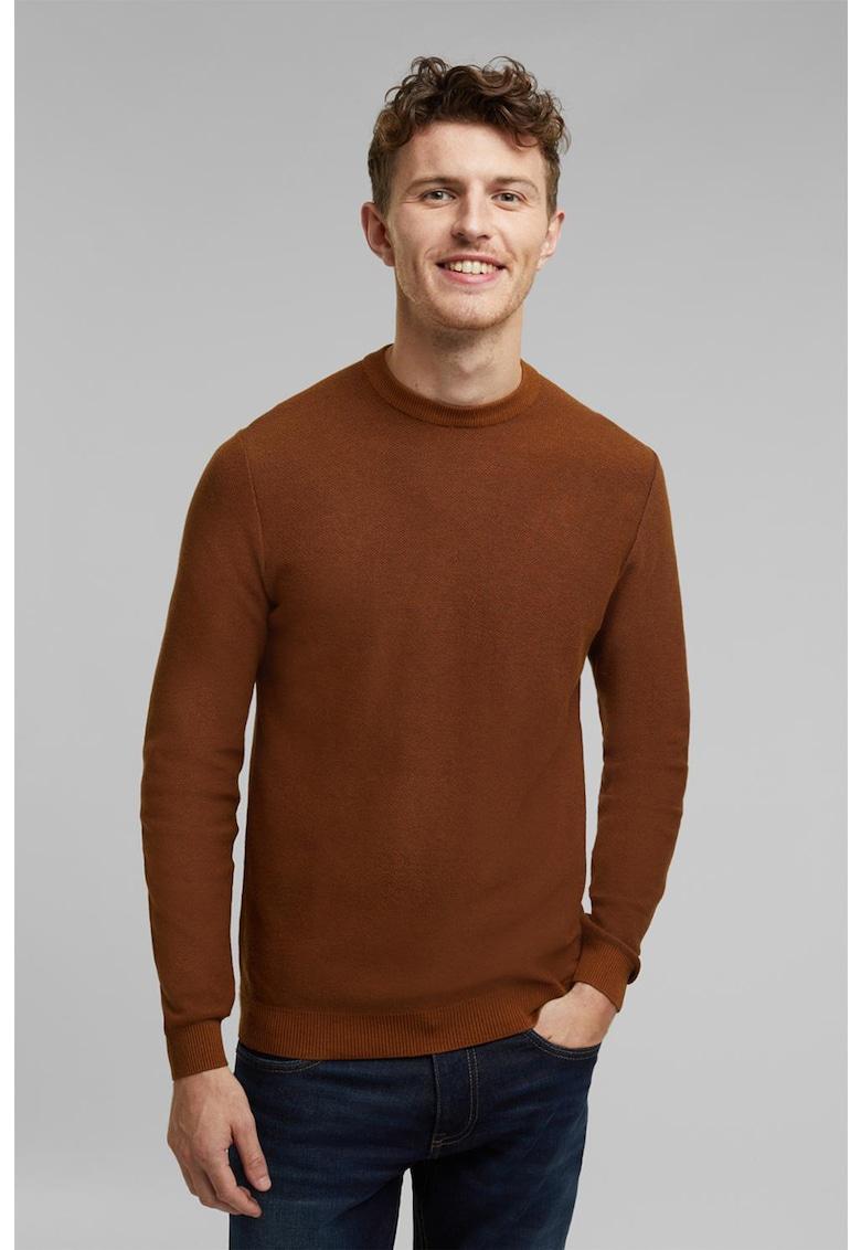 Pulover tricotat fin cu decolteu la baza gatului imagine fashiondays.ro