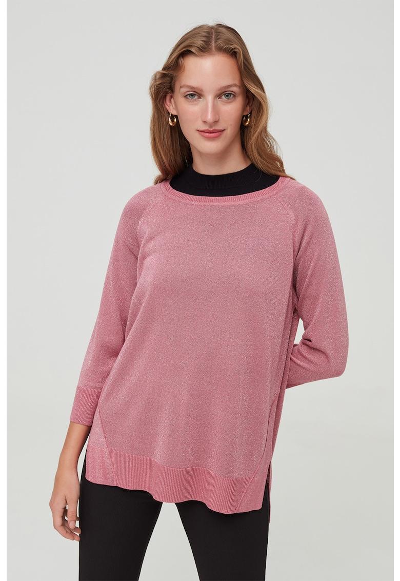 Pulover tricotat fin cu fibre metalizate