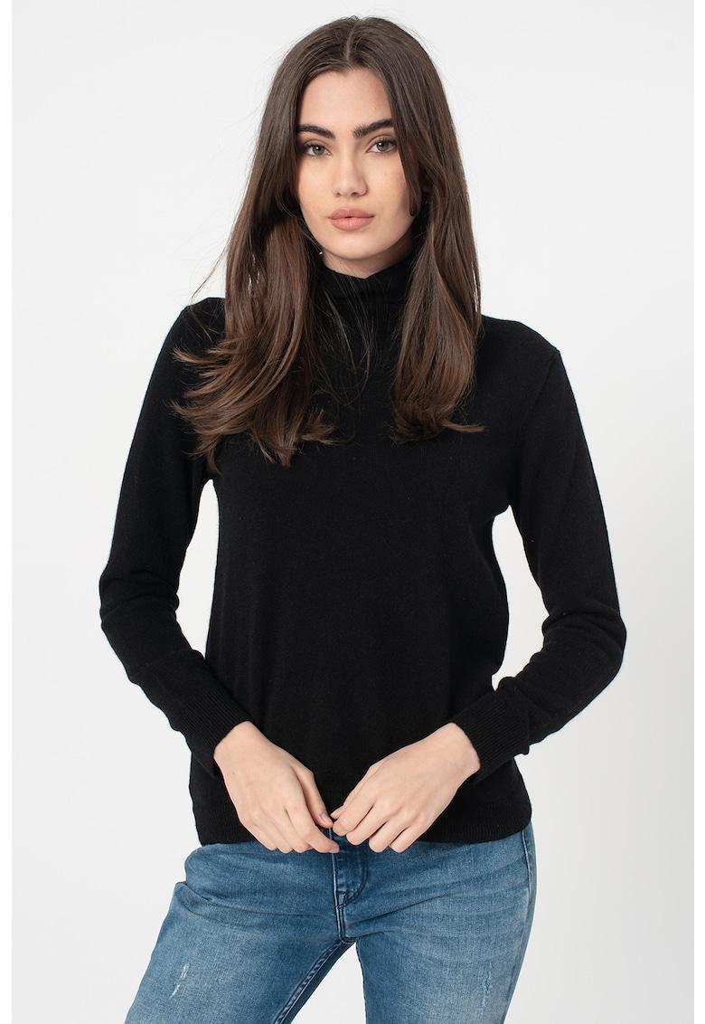 Pulover tricotat fin din casmir cu guler inalt